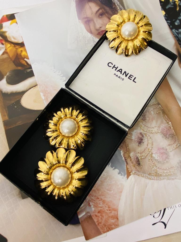 Chanel Daisy Set